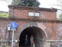 138年間、地元の人たちの生活を支えるトンネル 【田中のまるまた】 -茨木の風景-