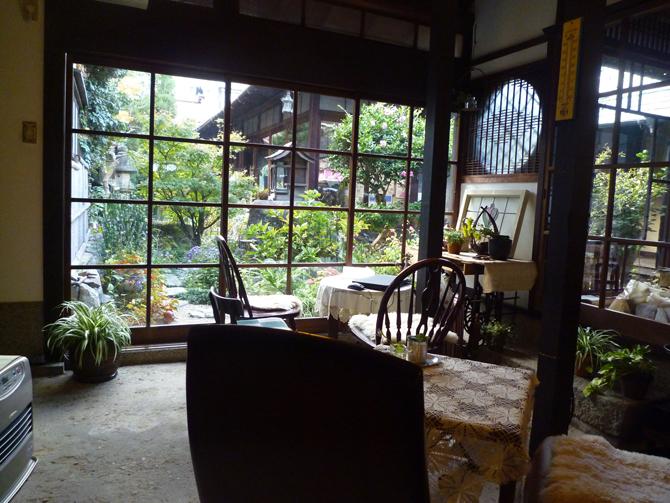 加工川本本店のカフェ