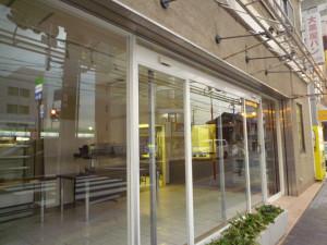 閉店した茨木市の大黒屋店内。