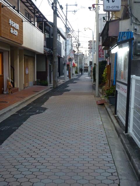 茨木市春日商店街の道路