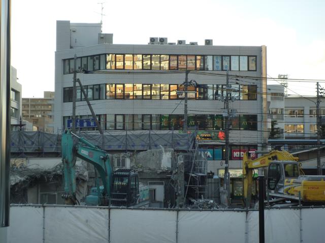 kkJR駅前工事上から2