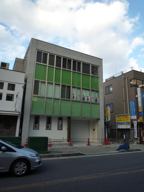 茨木市の中央通りに新しい病院ができてる
