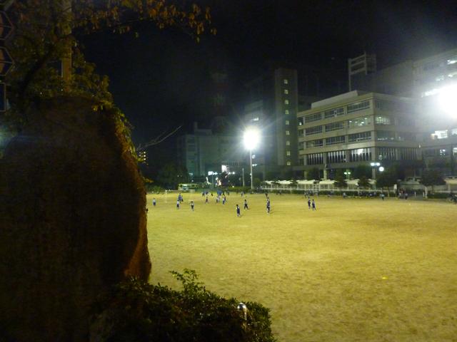 茨木中央公園の夜の風景