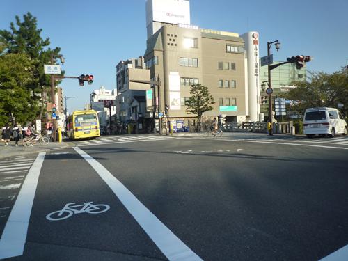 茨木市の高橋交差点