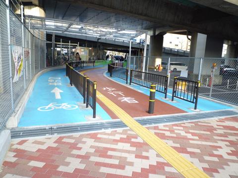 南茨木の自転車専用レーン2
