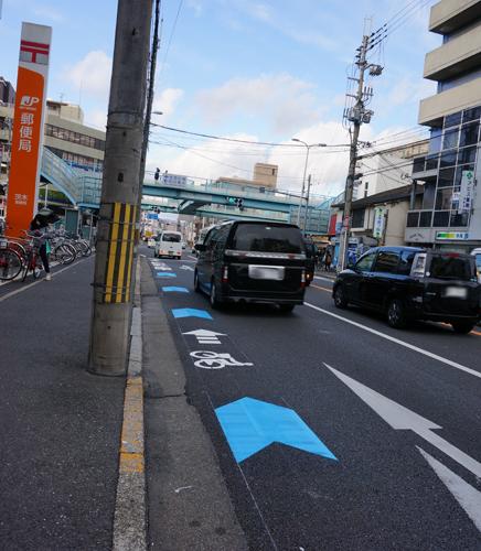 産業道路自転車通行レーンを観察