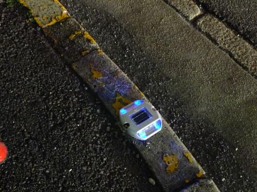 産業道路のブルーのライト
