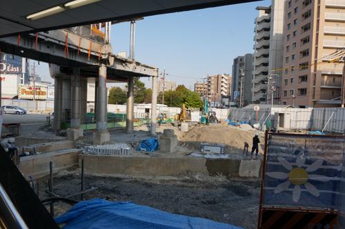 JR茨木駅東口工事一階から