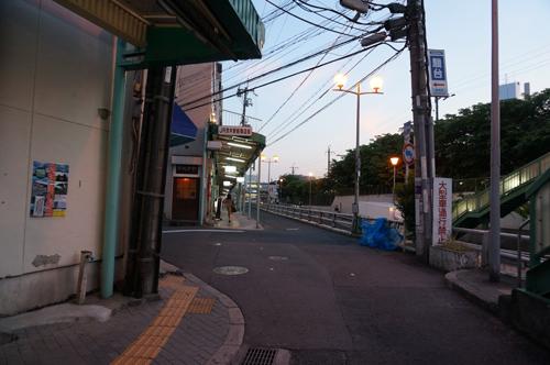 JR茨木駅東口方面