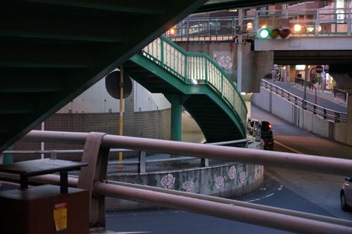 JR茨木駅東側交差点