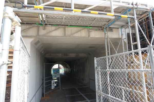 kkトンネルを進む
