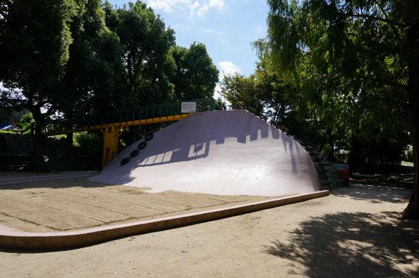 西河原公園滑り台全景DSC05602