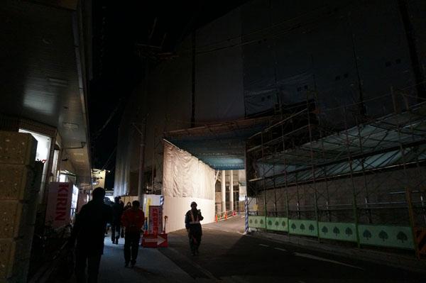 JR茨木東口通り抜けDSC07794