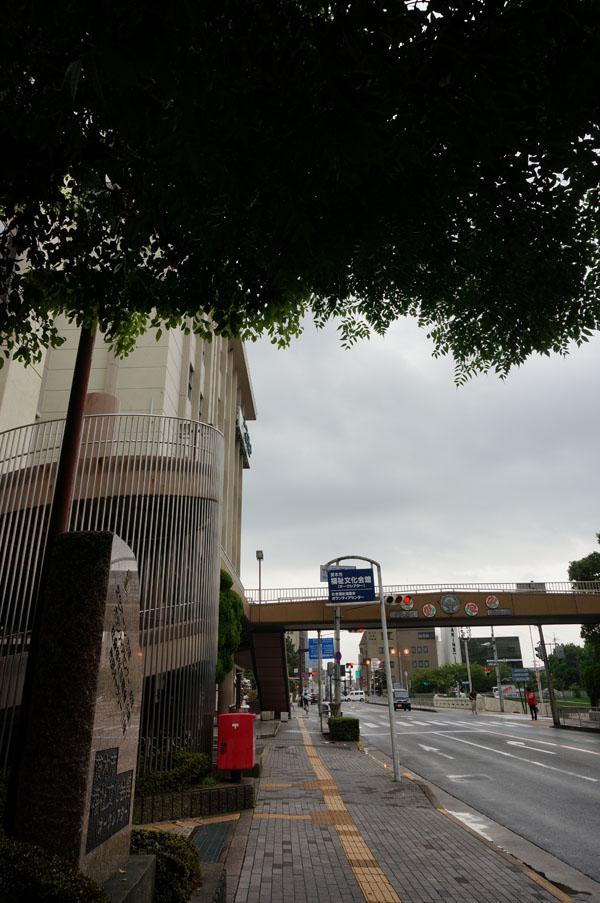 市営駐車場案内・市役所前の道