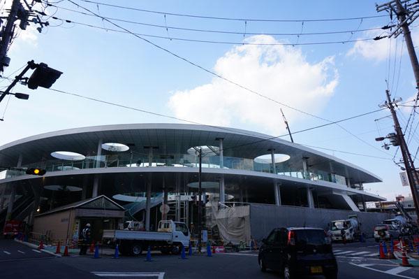 JR茨木東口全景