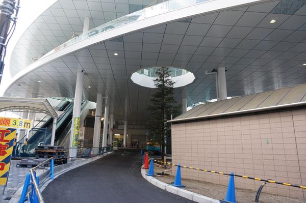 JR茨木東口車の通り道