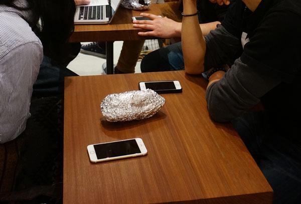 JR店主集まりでアルミホイルの焼き芋