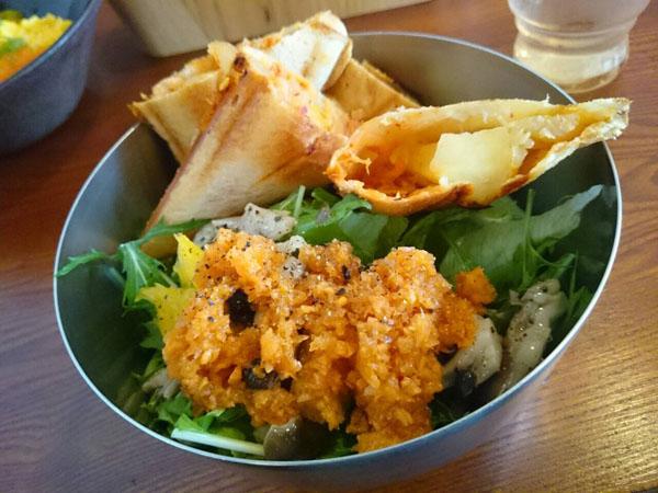 カフェ小町の「ホットサンドサラダ」