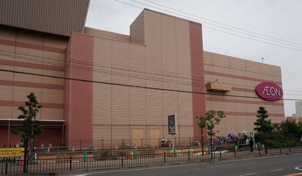 イオンモール茨木自転車置き場工事南側
