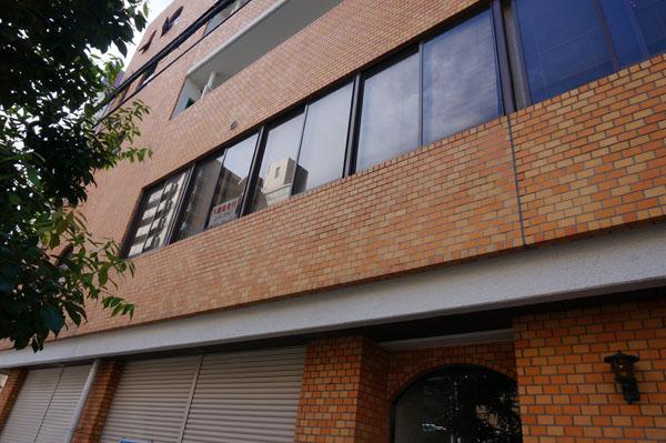 北邑ビルの二階