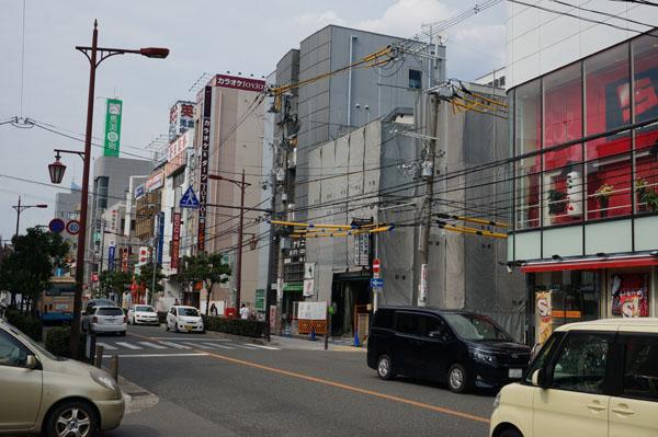 阪急茨木の食彩館南側から