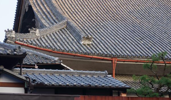 別院の屋根