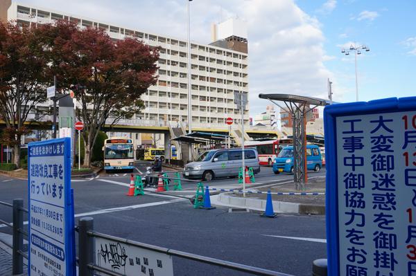 JR茨木西バス停のところ重機はない