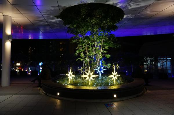 JR茨木東口二階の星の飾り