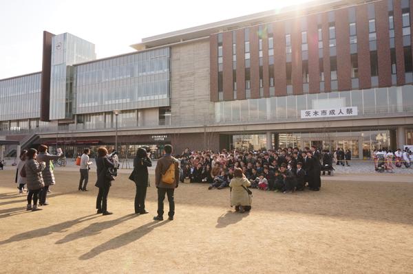 成人式で記念撮影大会の風景2DSC06798