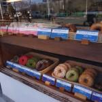 ラッキードーナッツショーケース左側