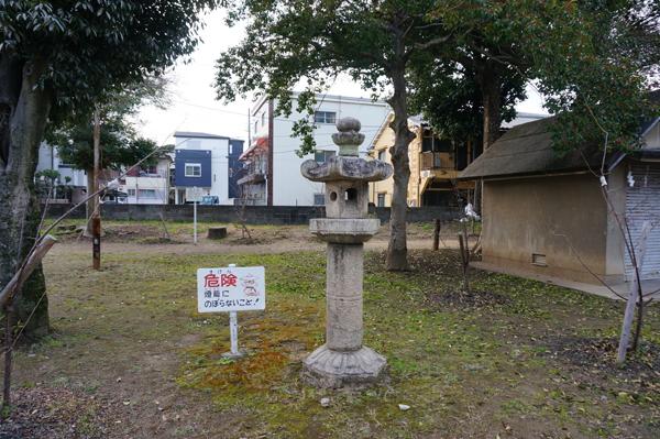 21春日神社にある石燈籠