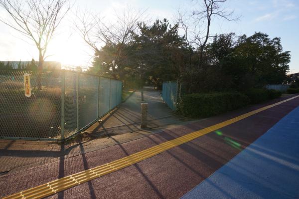 2春日神社のほう入り口