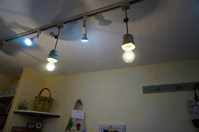 PotekoChip店内照明