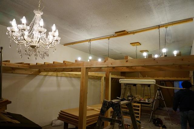ツミキ食堂改装中店内