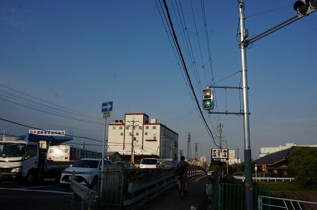 R171釣り具上州屋信号の京都向き