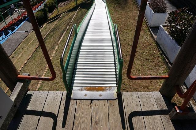 9忍頂寺のスライダーの乗り口
