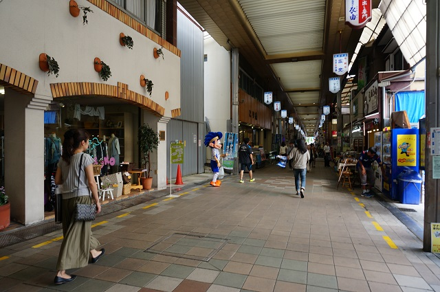 ガンバボーイが阪急本通商店街で
