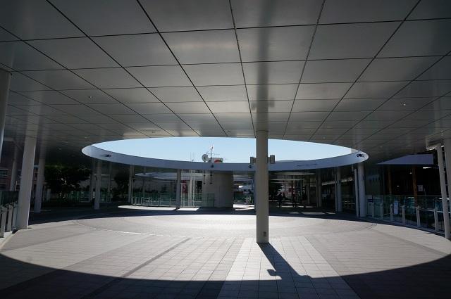 JR茨木東口ロータリー円形
