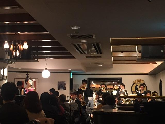 茨木グリルムーンライトスウィングオーケストラ演奏2
