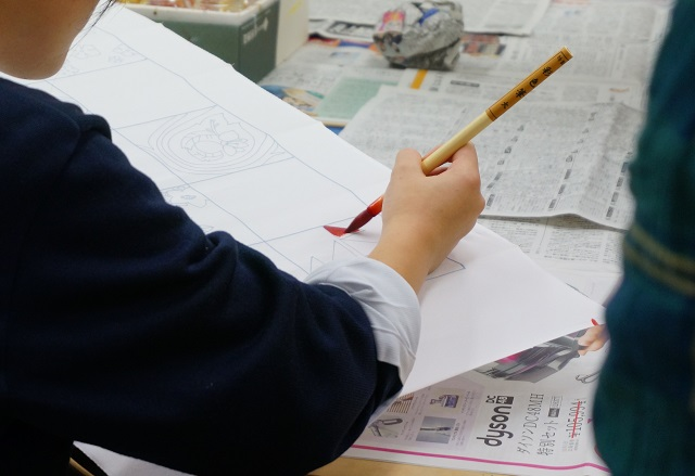 着物プロジェクト生徒の色塗り3DSC02085
