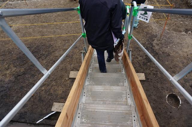階段おりていくDSC03965
