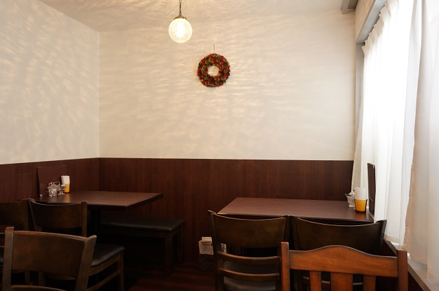 すみれカフェ店内の様子DSC03029