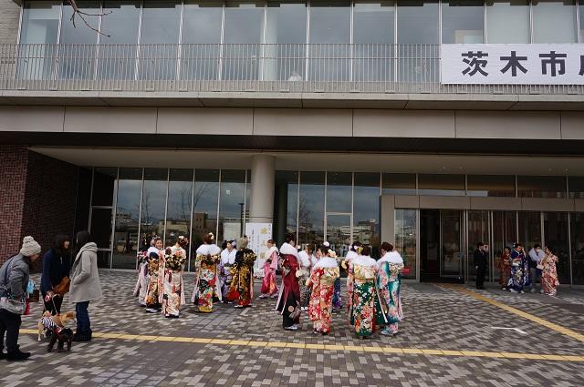 茨木市成人式2017年様子DSC03082