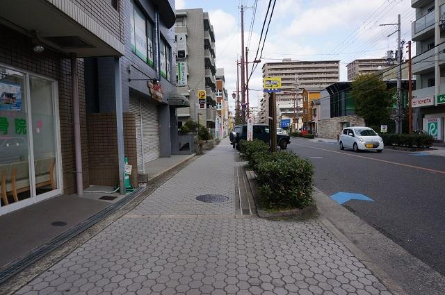 高瀬川通り阪急方面歩道のレール3DSC04331