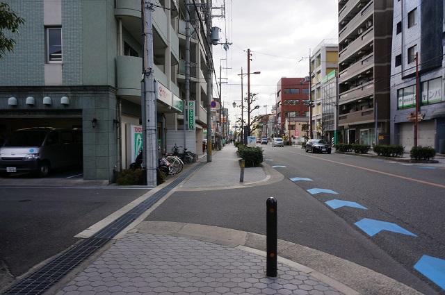 高瀬川通り阪急から真砂方面反対側の歩道6DSC04334