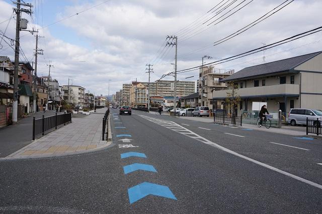 水尾のほうの道阪急方向DSC04321