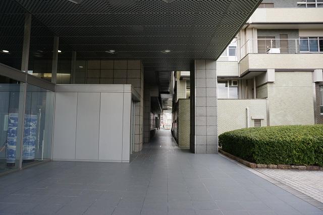 茨木市役所南館ヨコDSC04837