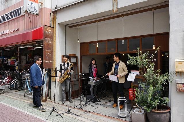 ツミキ食堂でジャズ演奏DSC05550