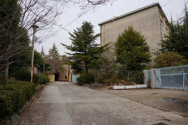 茨木里山センターそばに北辰中学校DSC05132