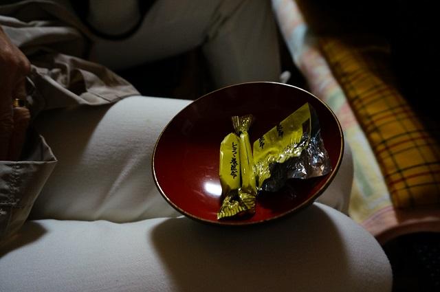 春日寄席中入りのお菓子DSC05683